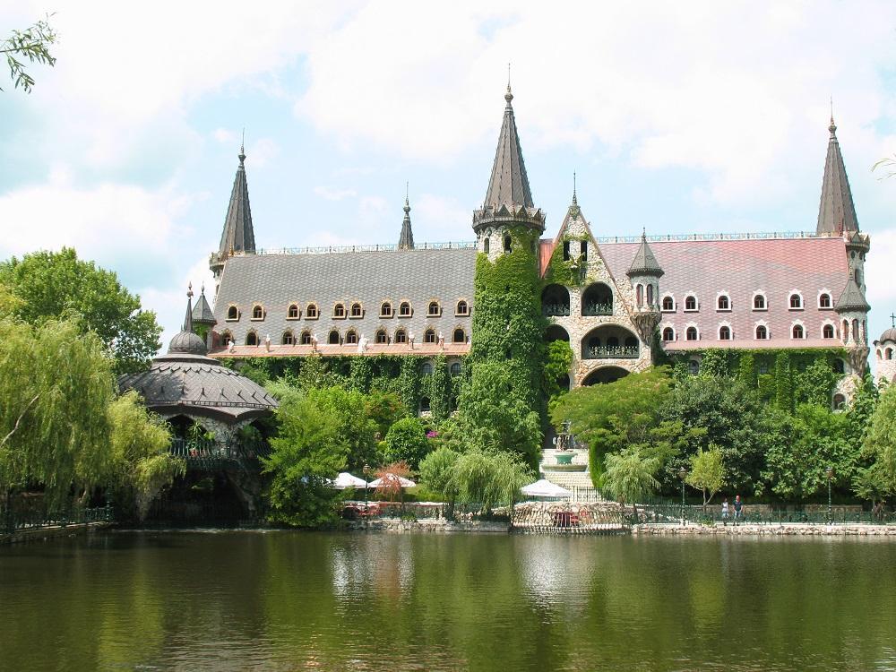 Холивуд снима в Замъка наесен