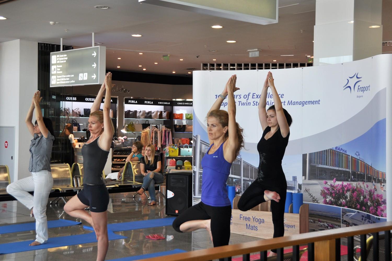 Обособяват зони за йога на летищата в Бургас и Варна