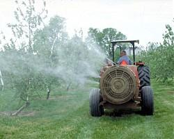Общински съветници искат създаването на  лаборатория за изследване на пестициди в Бургас