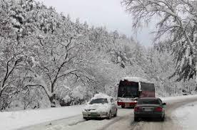 Обстановката край Бургас се усложнява, затварят почти всички пътища