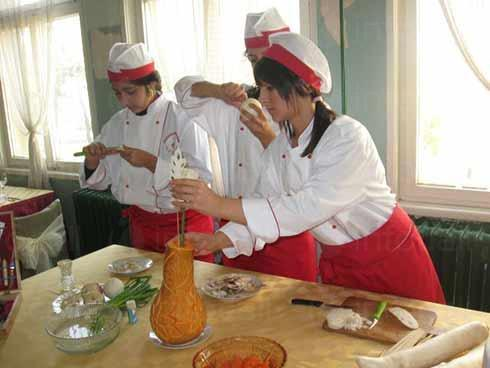 """Ученици-готвачи ще могат да участват в конкурса """"Аз готвя най-добре"""""""