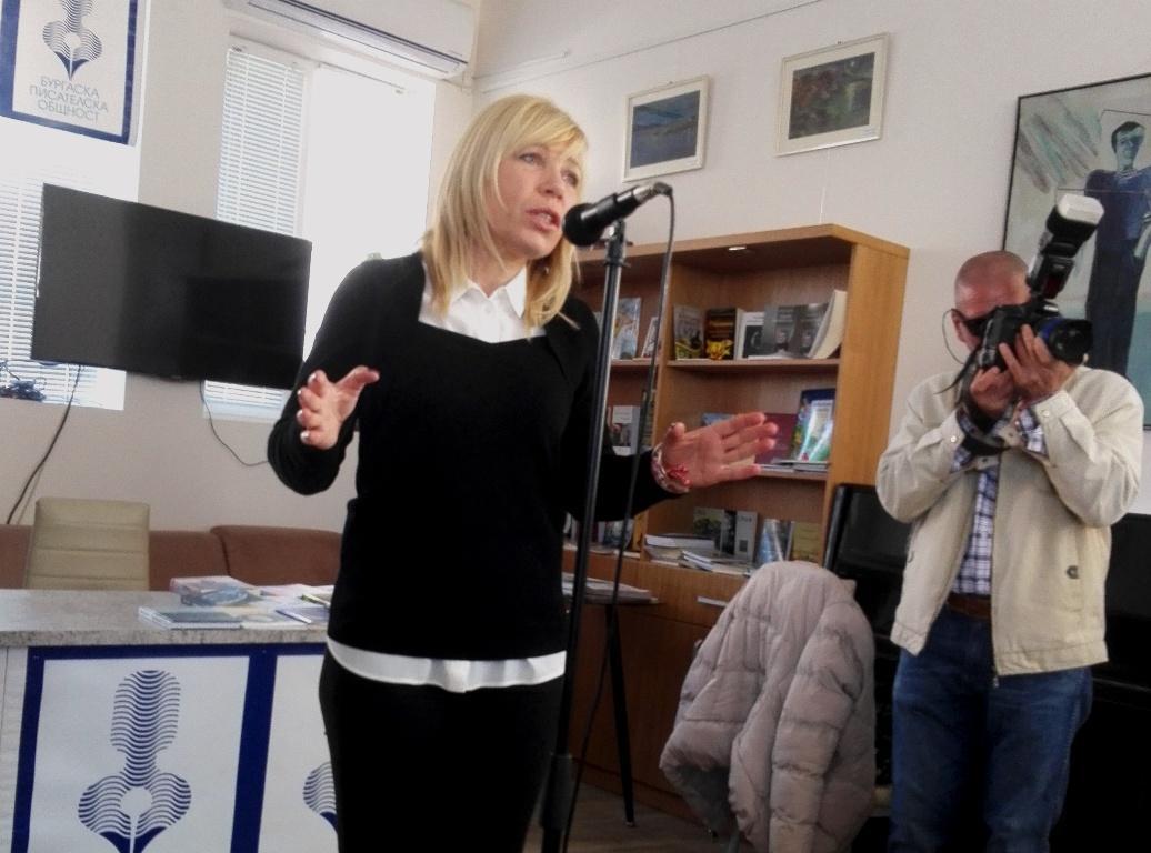 Диана Саватева:  Вярвам, че ще имам подкрепата на хора, които виждат в мен кандидата, стоящ извън партийните граници