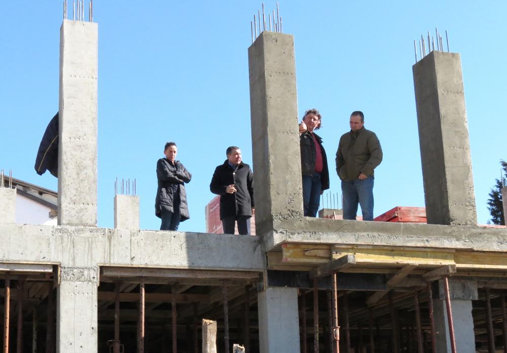 Кметът на Несебър инспектира два строителни обекти на територията на общината