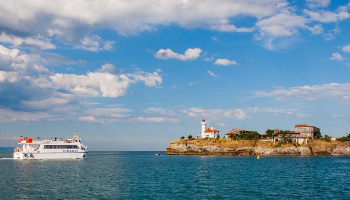 """На Лазаровден тръгва корабчето до остров """"Св. Анастасия"""""""