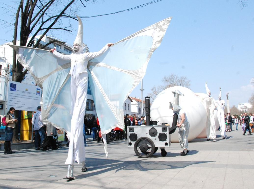 Фестивалът на модерното изкуство идва в Бургас