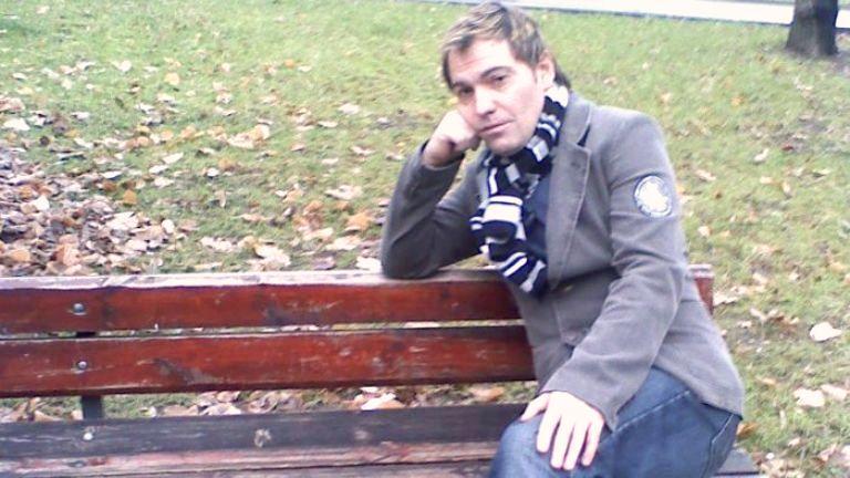Йордан Пеев прави поетичен спектакъл в Бургас