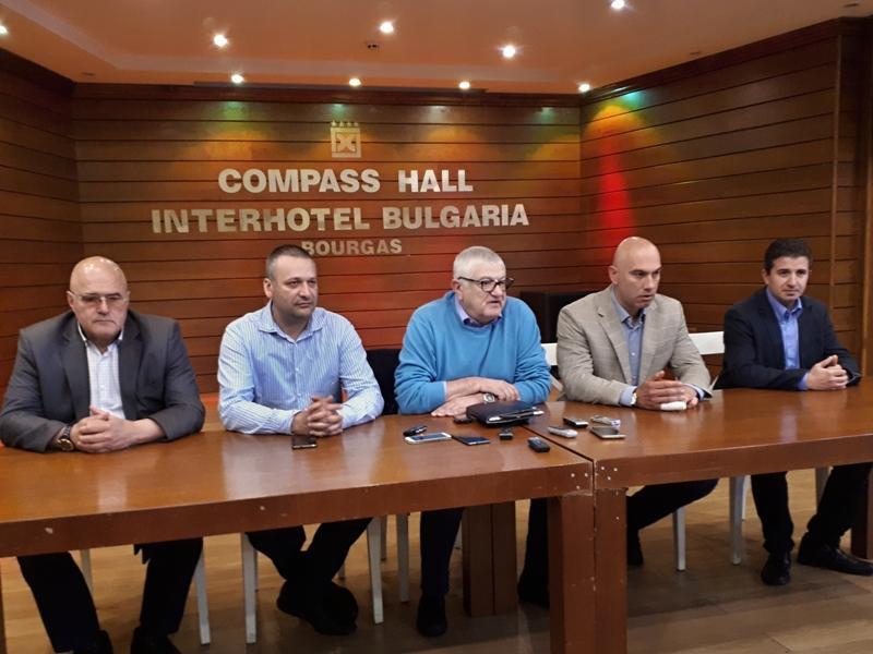 """Бургаските депутати от """"БСП за България"""": Ако се върши някаква работа в парламента, то е по инициатива на опозицията"""