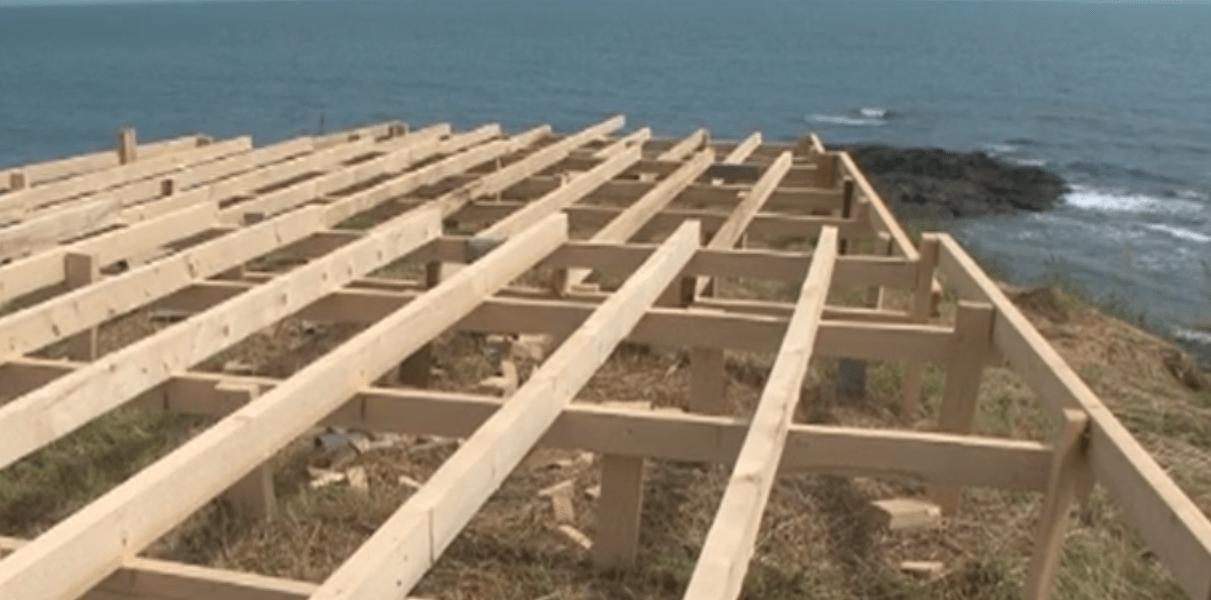 Проверяват плажа в Лозенец за незконни постройки