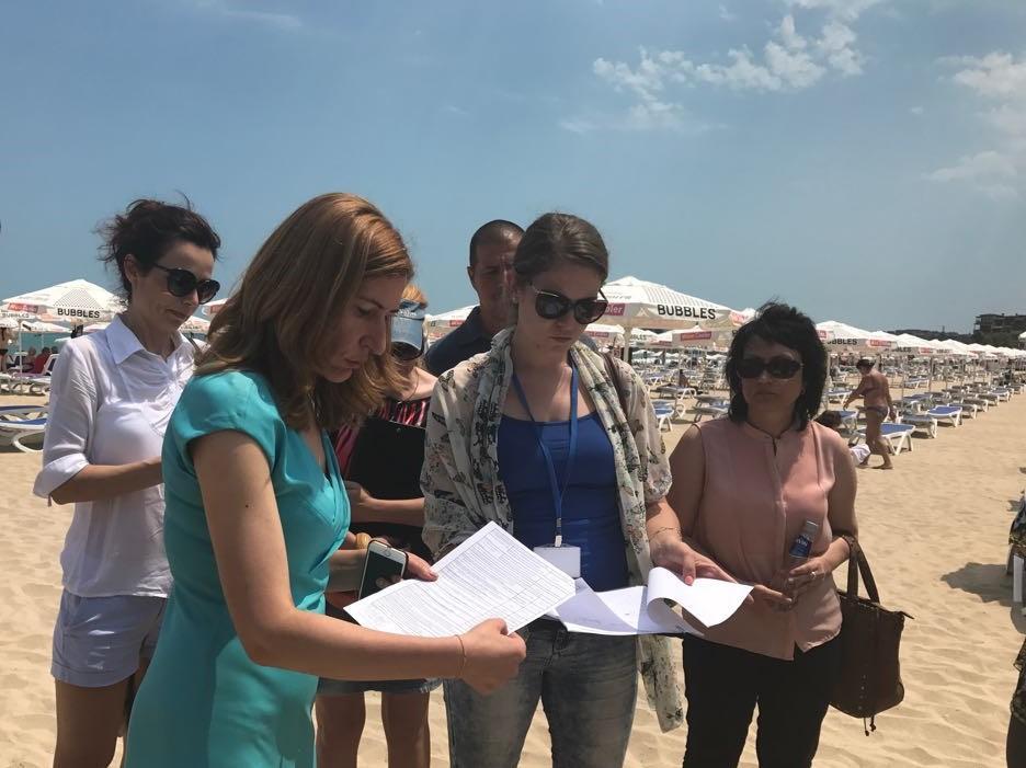 Министър Ангелкова похвали плажовете на Слънчев бряг, не бяха установени нарушения