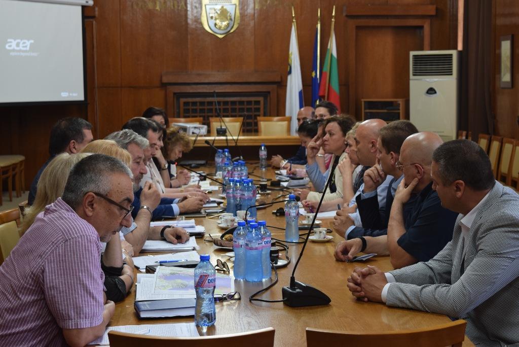 Бургаските  депутати обещаха да дадат рамо на важните общински проекти