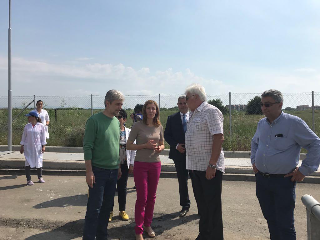 Министър Aнгелкова: Компромиси със здравето и спокойствието на туристите няма да се правят