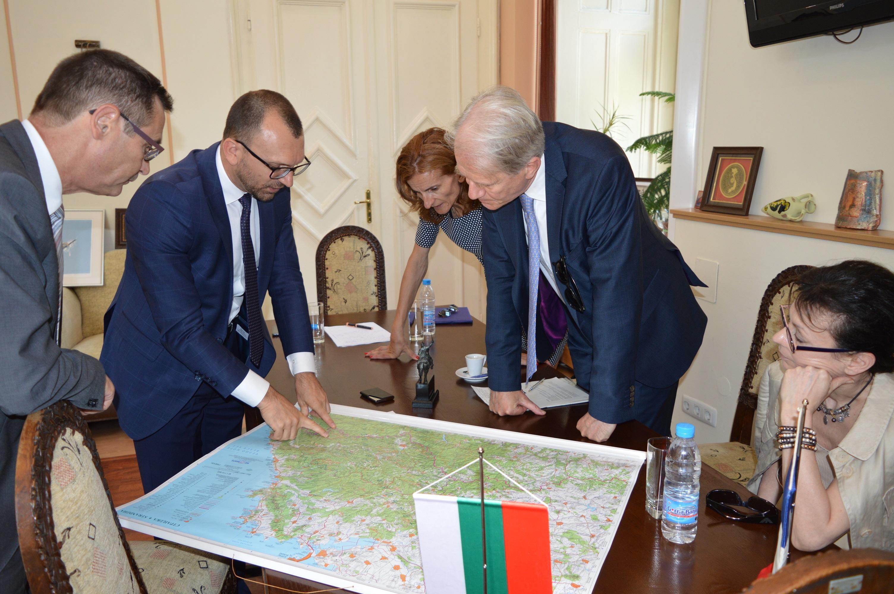 Областният управител Вълчо Чолаков се срещна с посланиците на Франция и Ирланди