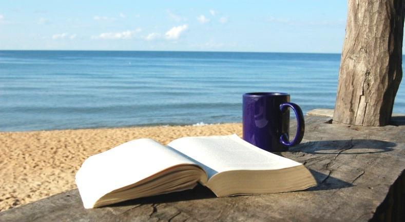 """Изложението """"С книга на плажа"""" прераства във фестивал"""