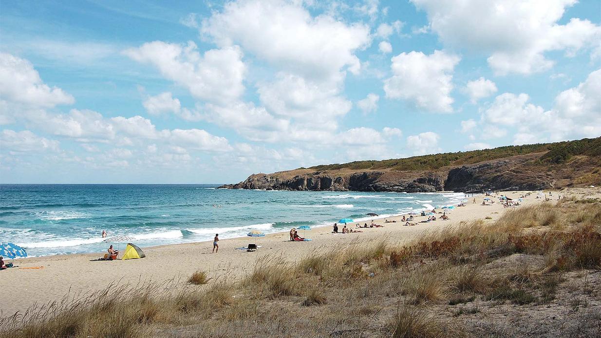 Проверяват плажовете в Синеморец за мазут