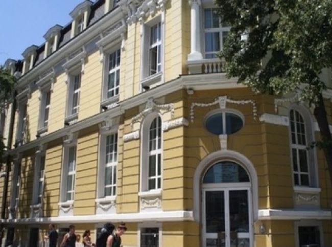 НАП запорира парични средства на 32 длъжници
