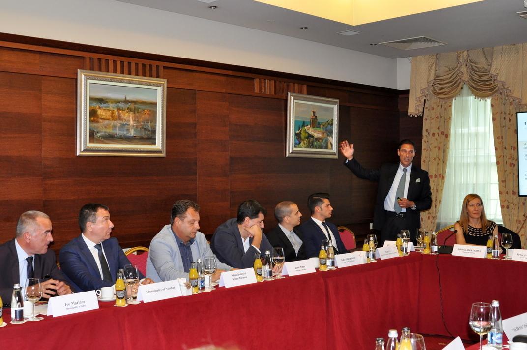 Кметът на Несебър взе участие в работна среща с министъра на туризма и международен туроператор