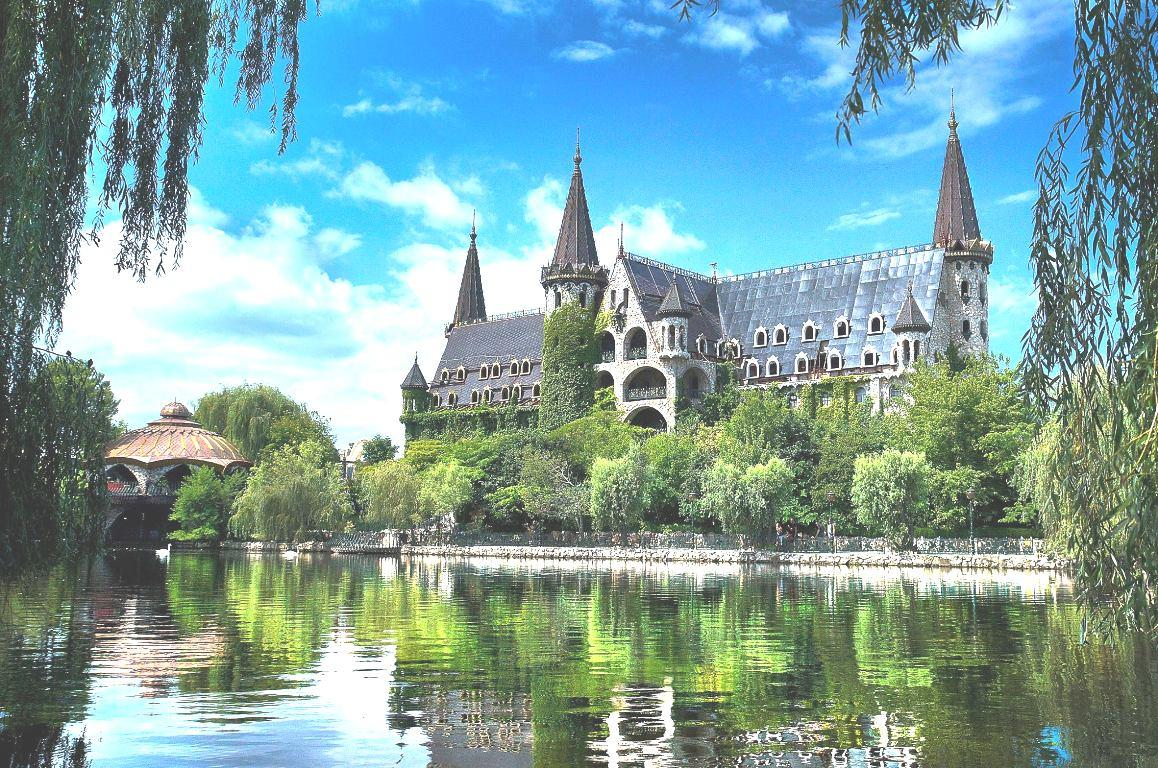 """Кръгла маса в Замъка """"Влюбен във вятъра"""" ще дискутира  потенциала на туристическите атракциони"""