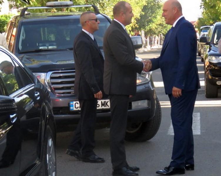 """Областният на Бургас оспори решението на ОбС-Поморие за """"ВИТА"""", кметът търси съдействие от президента"""