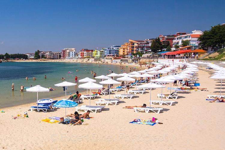 Иновативни нарушения са констатирани по плажовете тази година