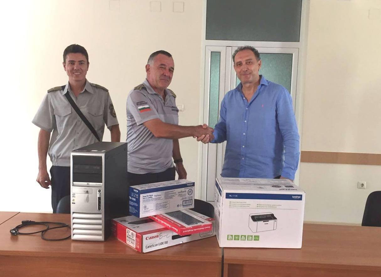 Общинският координатор на ГЕРБ-Бургас Иван Вълков дари техника на пожарната