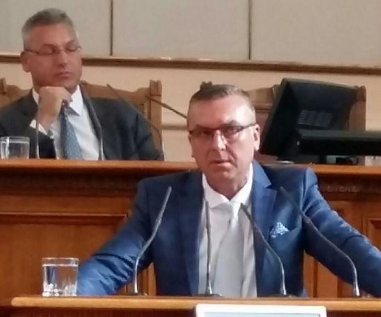 Министър Порожанов на питане на Димитър Бойчев за риболовните дневници: С чувство за срам поемам лично темата, ще има и санкции