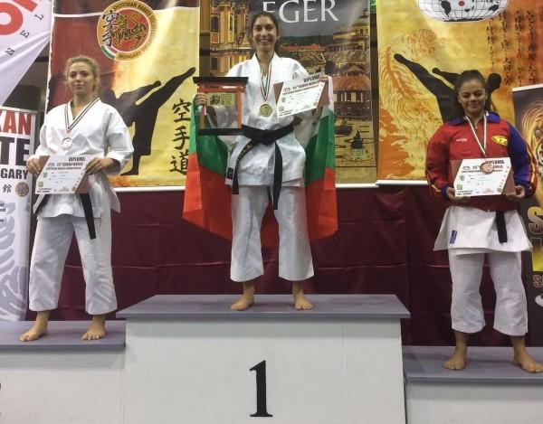 16-годишна бургазлийка грабна златото на световното първенство по карате