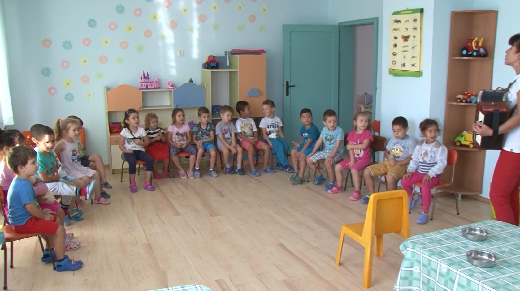 """Приморско показва добри практики по проект """"Гласът на българските деца"""""""
