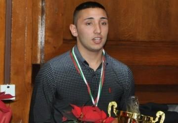 Бургаски боксьор се класира за четвърт финалите на Европейското първенство за младежи