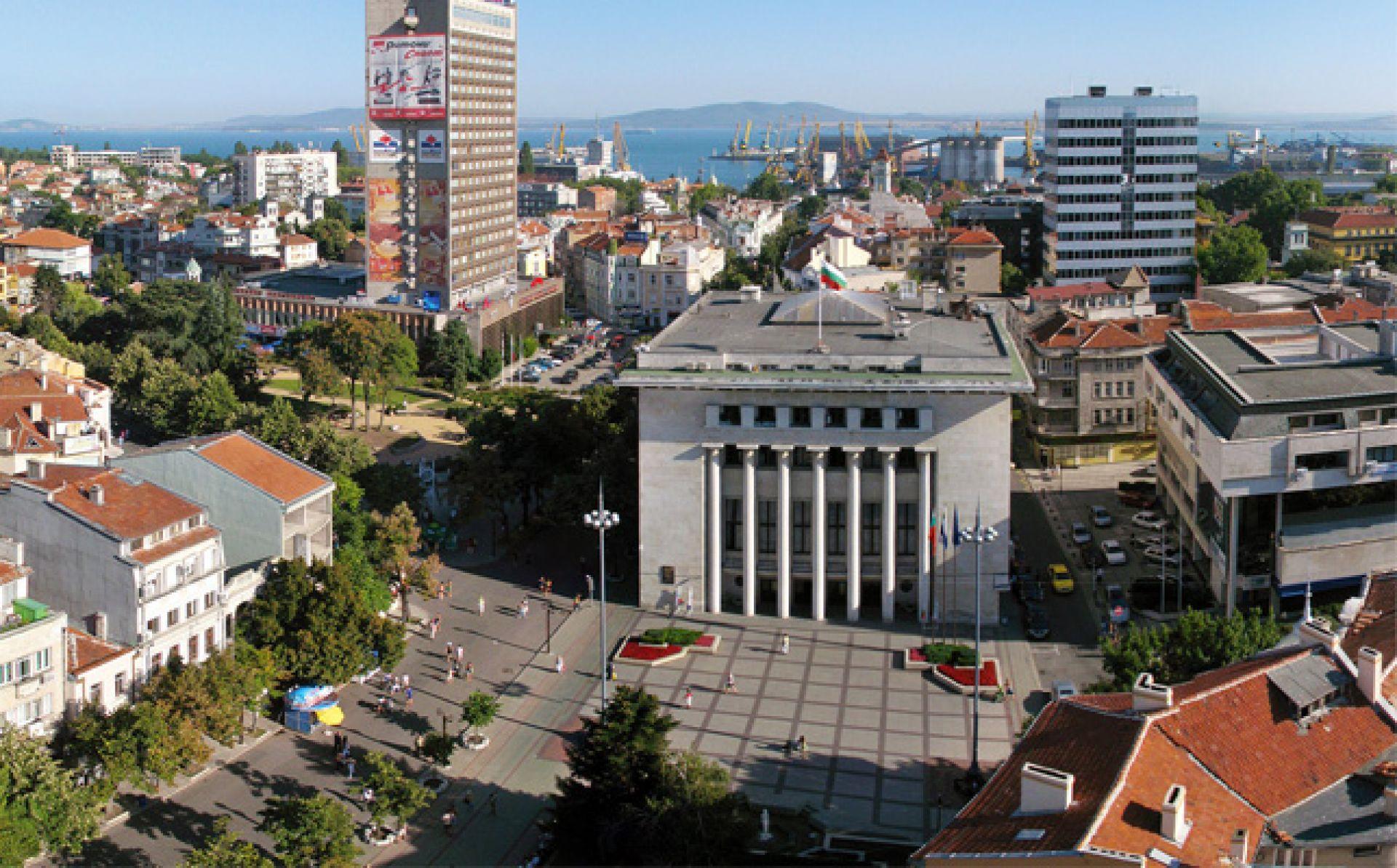 Гимназия за компютърно програмиране ще има в Бургас