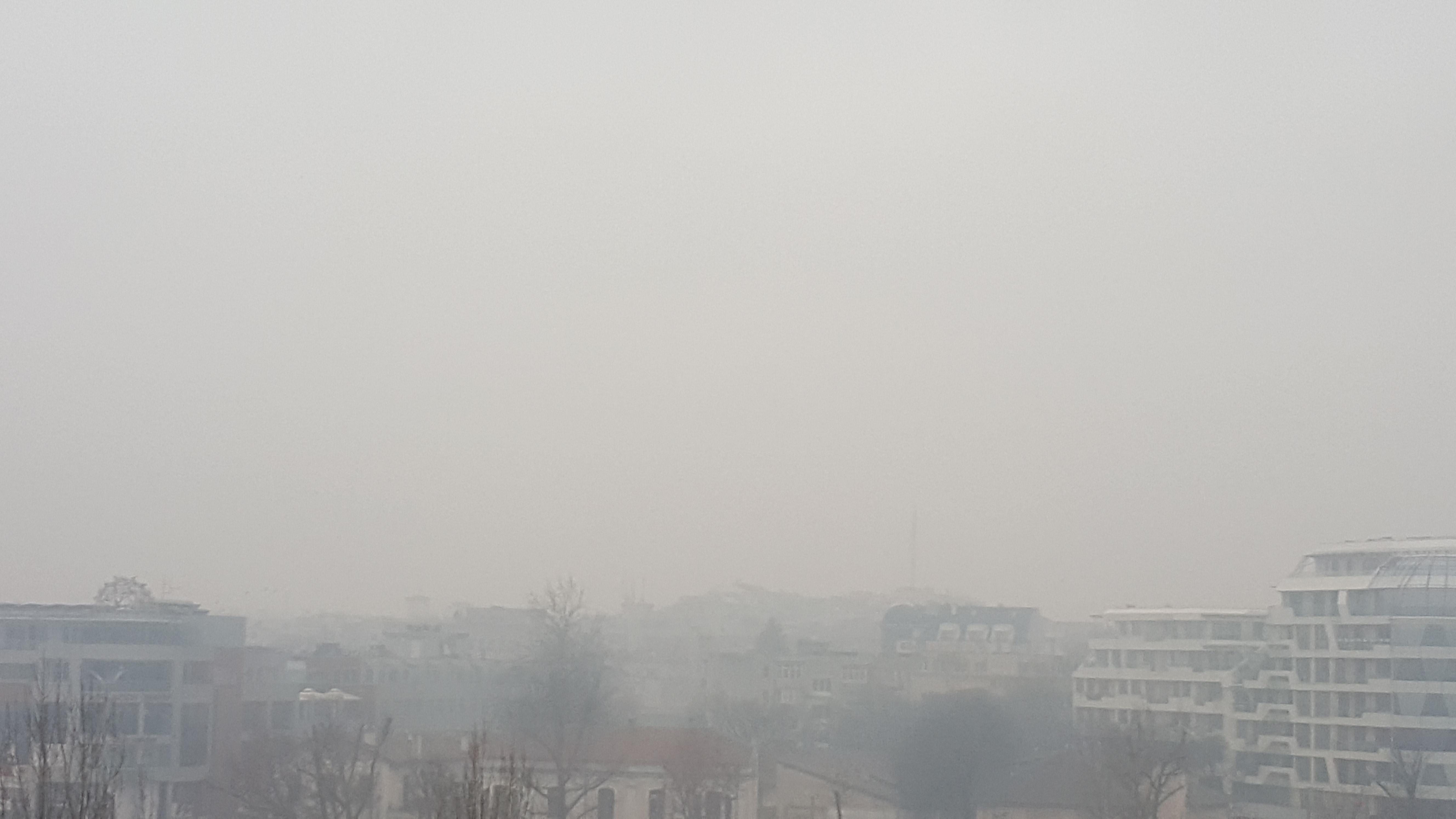 Чист ли е въздухът в Бургас или институциите покриват замърсителите