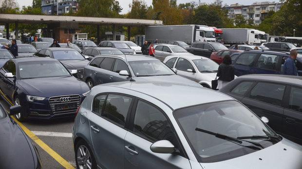 При сделки с коли, нотариусите и МВР ще обменят данни по електронен път