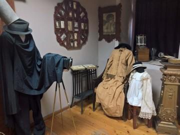 Етнографкият музей представя изложба за развитието на фотографията