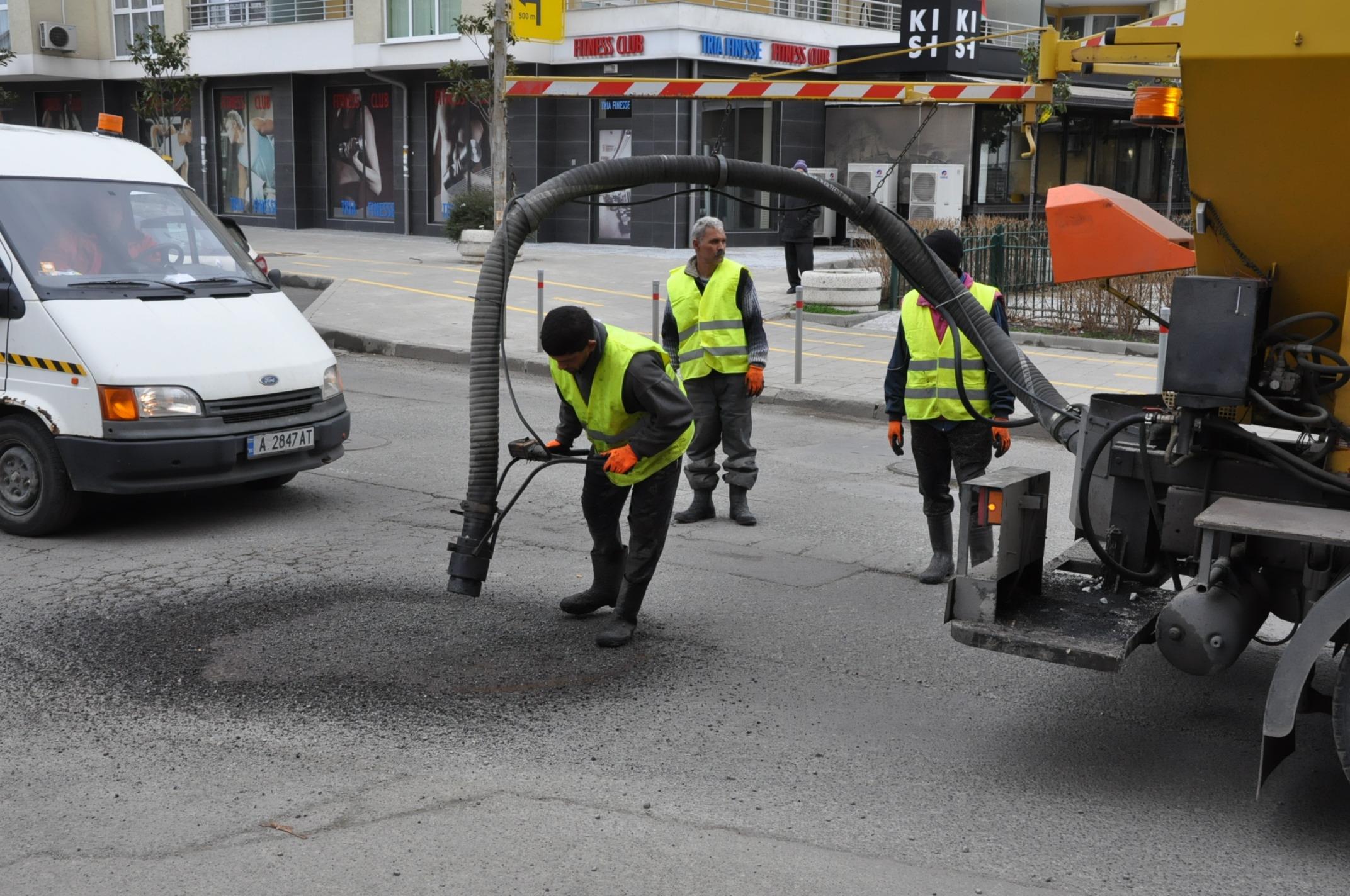 Стартира ударно възстановяване на пътната мрежа в Бургас