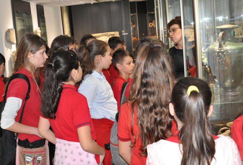 Открит урок по история и археология за Международния ден на музеите в Несебър