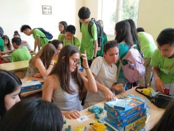 Младите математици се надпреварваха и по редене на пъзели