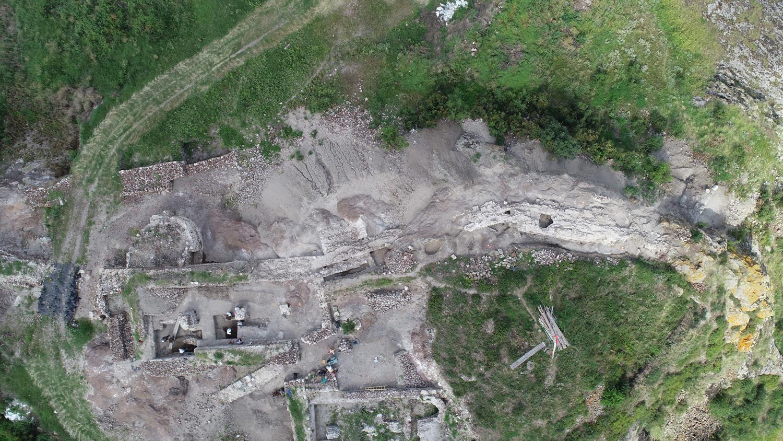 Приключи проучването на западната крепостна стена на замъка на Русокастро