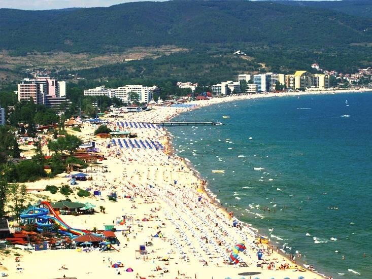 Прекратяват за системни нарушения концесионните договори на 7 морски плажа
