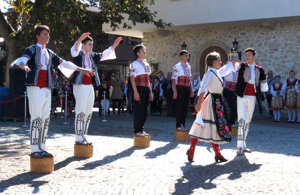 """Фестивалът """"Есенни пасажи"""" се проведе за шести път в Несебър"""