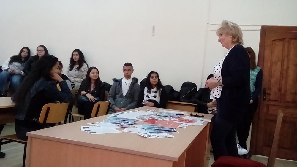 """Ученици от Слънчев бряг участваха в интерактивен урок """"Трафик на хора"""""""