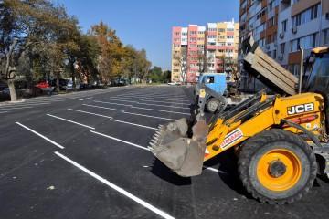 """Новият паркинг по бул. """"Мария Луиза"""" ще бъде отворен най-вероятно през уикенда"""