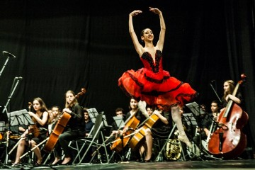 """НУМСИ """"Проф. Панчо Владигеров"""" организират безплатен коледен концерт в Бургас"""