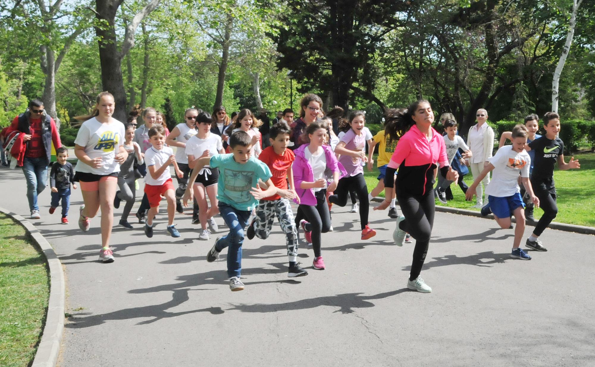 Ученически крос в Бургас по случай 125 години  СБЖ