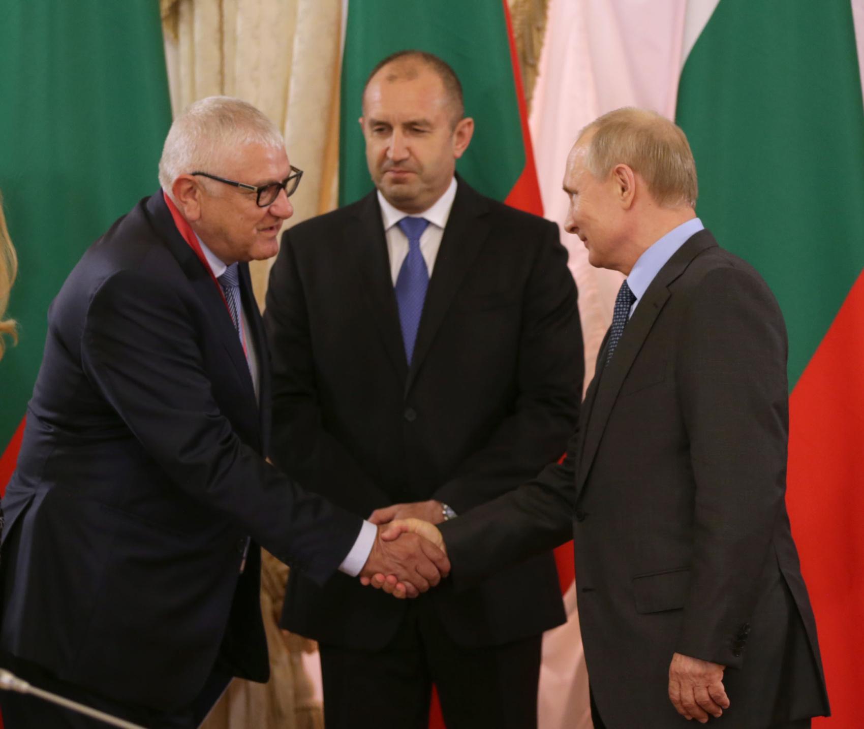 Петър Кънев бе в делегацията на президента Радев на Петербургския международен икономически форум