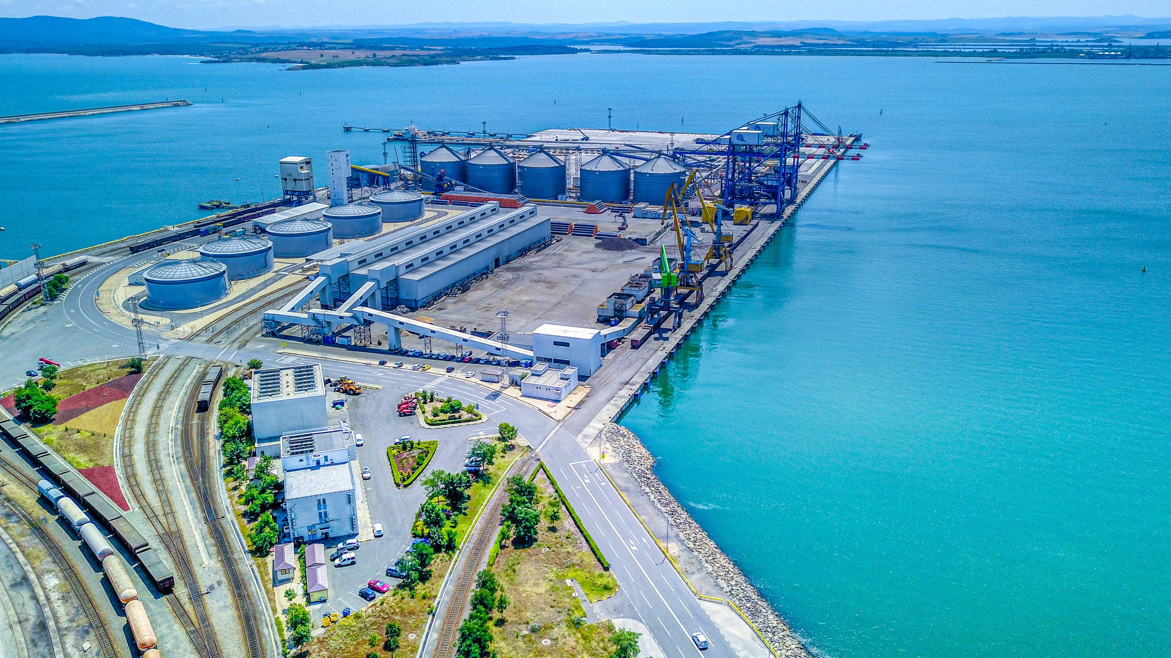 """""""БМФ Порт Бургас"""" отбеляза 25 години от изграждането на първия контейнерен терминал в Бургас"""