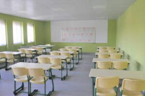 2 бургаски училища посрещат учениците с цялостно обновени класни стаи