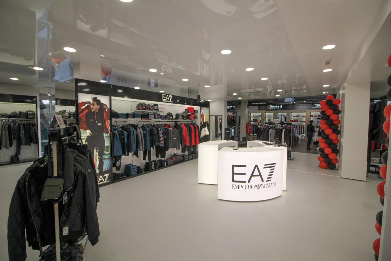 Първият официален корнер на EA7 в България вече е отворен за клиентите на Триа Сити център Бургас