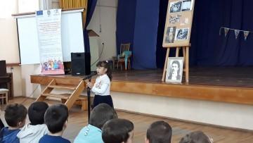 """Малчугани от ДГ """"Звездица Зорница"""" демонстрират умения по български урок на открит урок"""