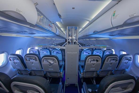 """UV машината, с която """"България Еър"""" дезинфекцира самолетите си – в класацията на TIME за най-добрите изобретения за 2020"""