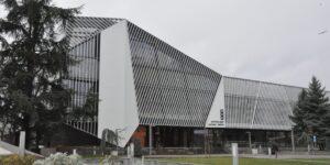 Домът на нефтохимика се превърна в модерен културен център